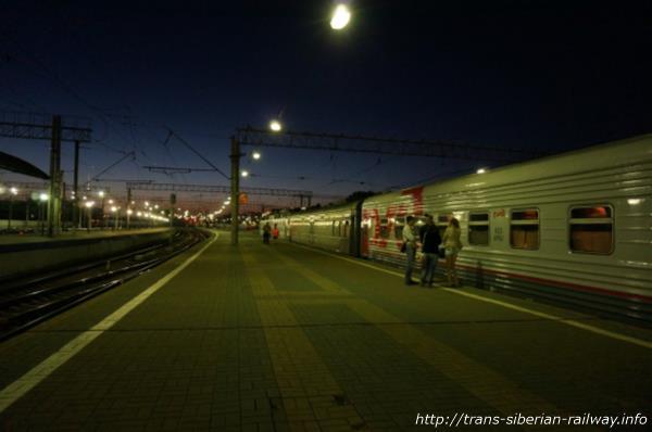 モスクワ「ヤロスラフスキー」駅ホーム画像